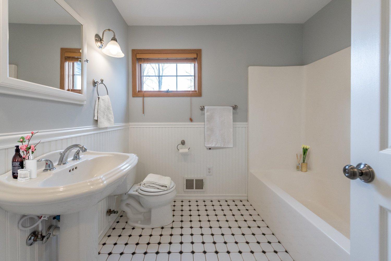 Bathroom Virtual Staging